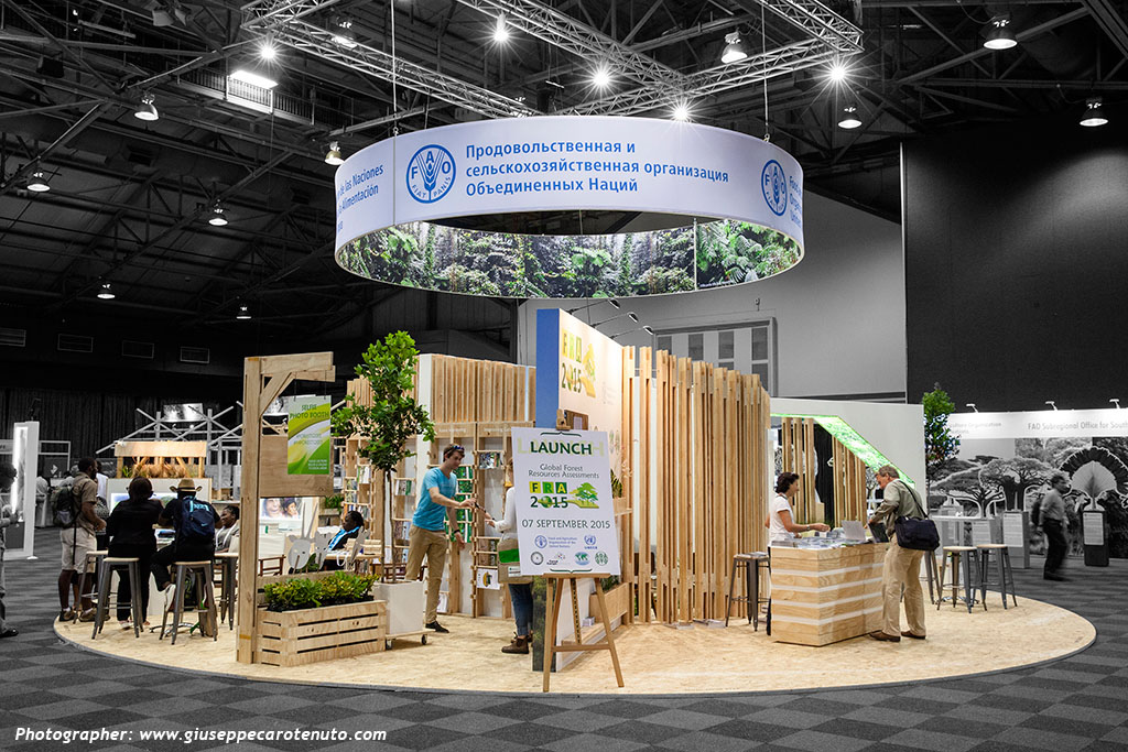FAO_Pavillion_World-Forestry-Congress-2015_HOTT3D_custom-stand_33