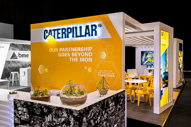 Custom-exhibition-stand_Mining-Indaba_Caterpillar-HOTT3D (7)